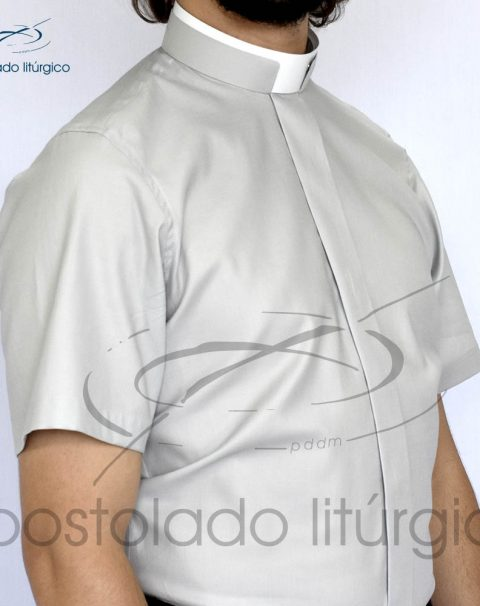 Camisa Slim Fit Gola Romana Cinza Manga Curta Frente