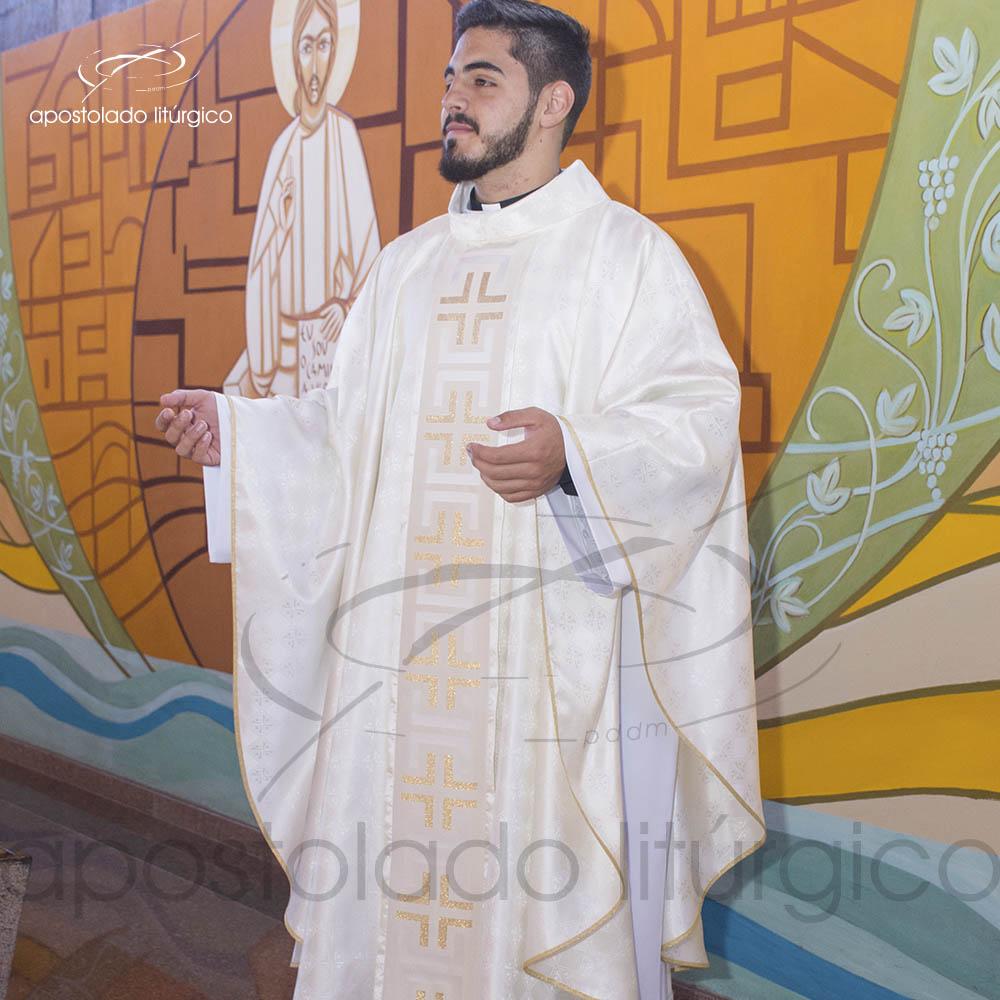 Casula Gaudium Galao tupa Perola Frente modelo perfil | Apostolado Litúrgico Brasil